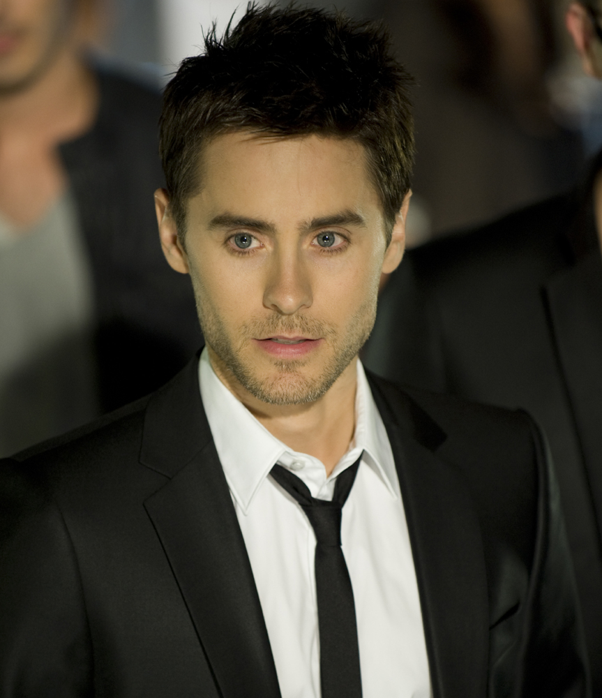 jared leto Jared leto is a very familiar face in recent film history although he has always been the lead vocals, rhythm guitar, and songwriter for american band thirty seconds to mars, leto is an accomplished actor merited by the numerous, challenging projects he has taken in his life.
