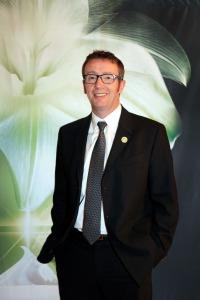 Xavier Ormancey, directeur de la R&D yves Rocher. L'homme de la situation!