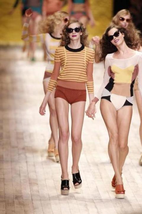 L'un des joyeux défilés Sonia Rykiel à la Fashion Week parisienne