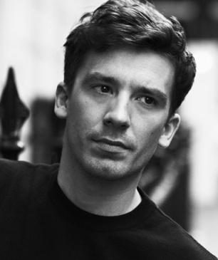 Julien Dossena, ancien du studio Défilé Balenciaga, arrive chez Paco Rabanne
