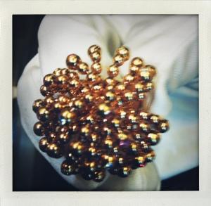 Bague Pétillante, en or rose à pampilles mobiles, coll. Paris Nouvelle Vague, Cartier