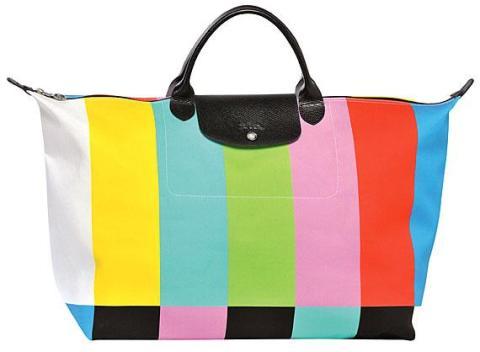 """""""Color Bars"""", le nouveau Pliage imaginé en édition limitée par Jeremy Scott pour Longchamp"""