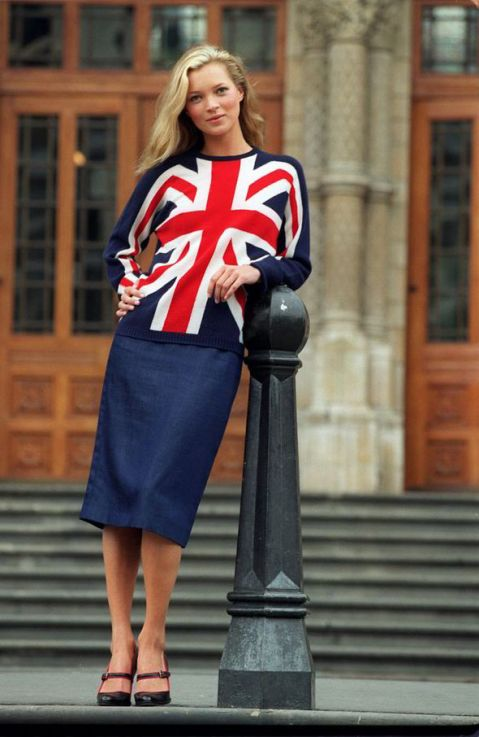 "Kate ""in all British glory"", à la London Fashion Week, en 1997"