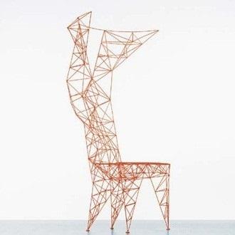 La Pylon Chair, que n'eût pas reniée Gustave Eiffel (Tom Dixon)