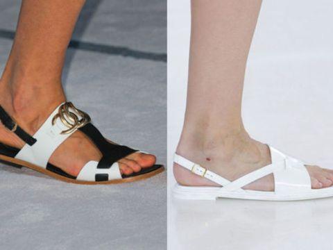 Sandales plates, bicolores ou blanches, chez Tods et Philosophy NY