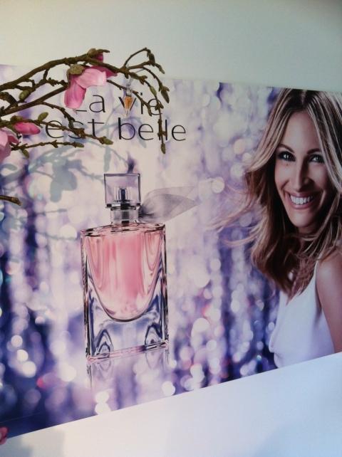 Un flacon qui sourit comme son égérie à mille dents: pour Julia Roberts, La Vie est belle! (ph.VD)