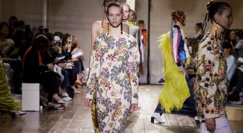 Voilà la direction, nettement plus haute couture, que devrait prendre Maison Martin Margiela avec l'arrivée fracassante de John Galliano