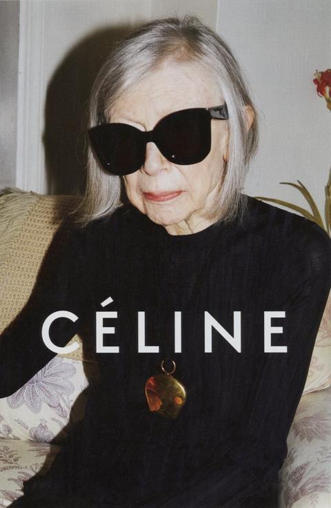 Joan Didion prend la pose pour la campagne mode printemps/été 2015 de Céline