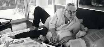 """L'écrivain US Bret Easton Ellis, Persol """"Typewriter"""" sur le nez (campagne Persol 2015)"""