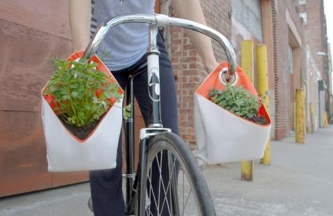 Jardinières à suspendre en voile de récup, Myriam Josi x - photos Myriam Josi