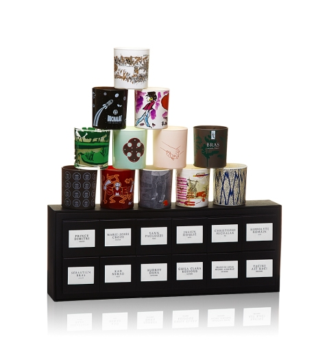 On adore l'idée de ce calendrier olfactif, composé de 12bougies, une pour chaque mois de l'année. Ici, collection 2015. On guette d'ores et déjà le millésime 2016 (485€ la collection).